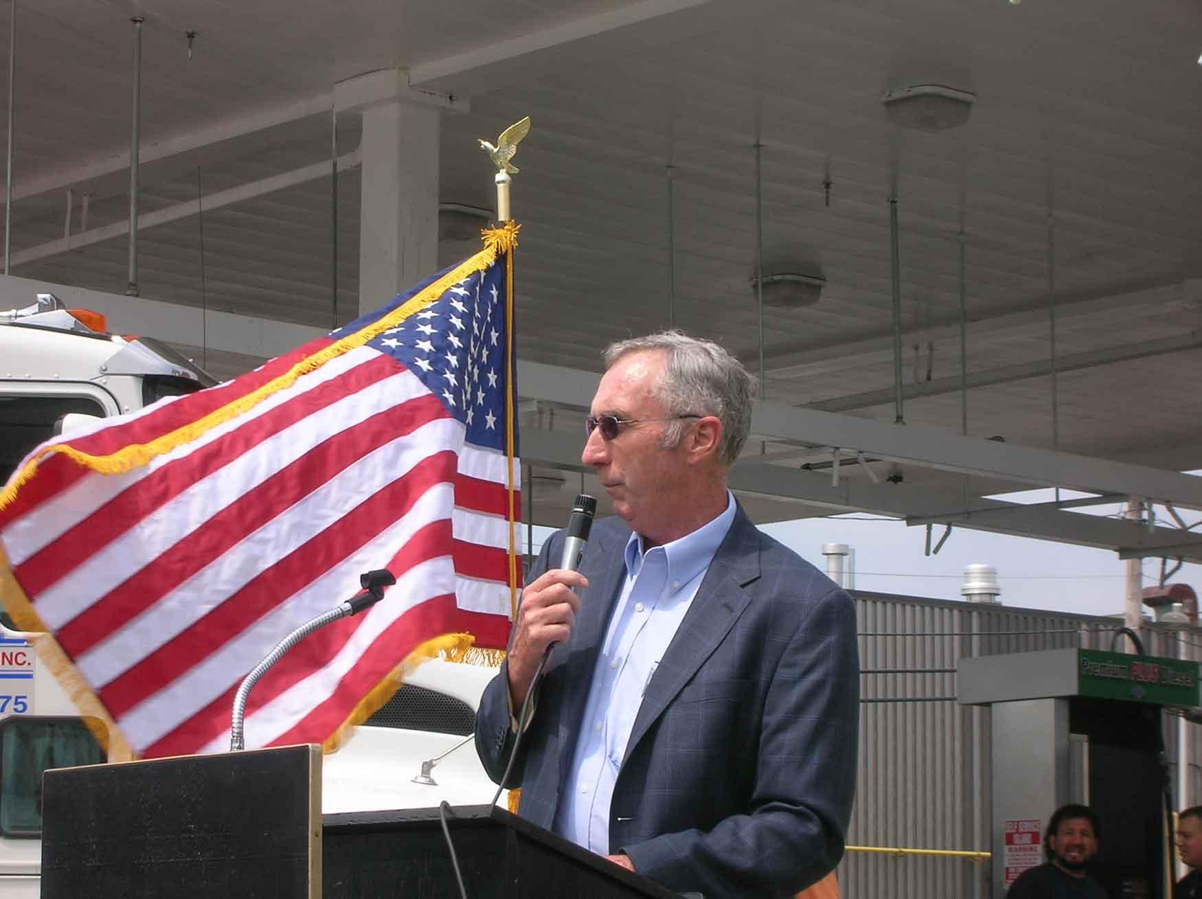 Ed Burke making speech on E-85